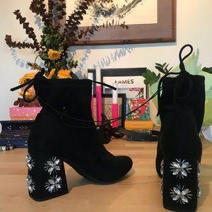 AMAZING chunky black embellished ankle boots!! 8.5